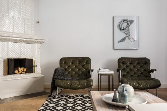 Birger Jarlsgatan Östermalm Kakelugn Läderfåtölj svart vitt parkett vas Fantastic frank