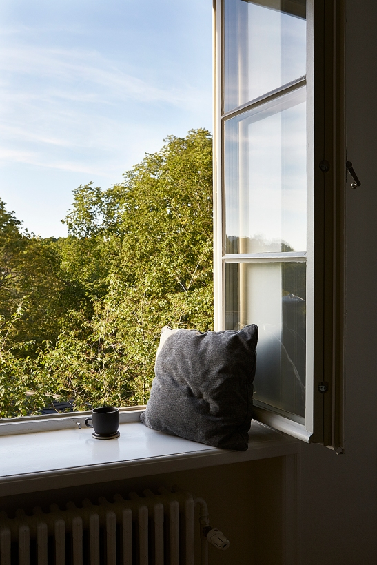 Lorensbergsgatan Södermalm Stockholm autumn view trees green bedroom pillow bedroom Fantastic Frank