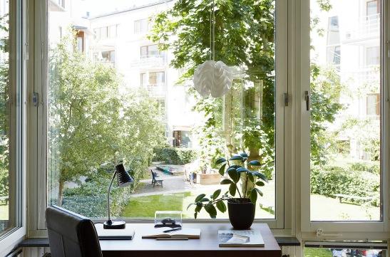 Sickla Kanalgata Hammarby Sjöstad fönster skrivbord utsikt arbetsro arbetsplats  Fantastic Frank