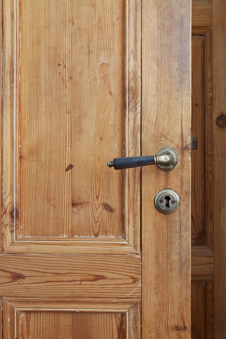 wooden door Fantastic Frank