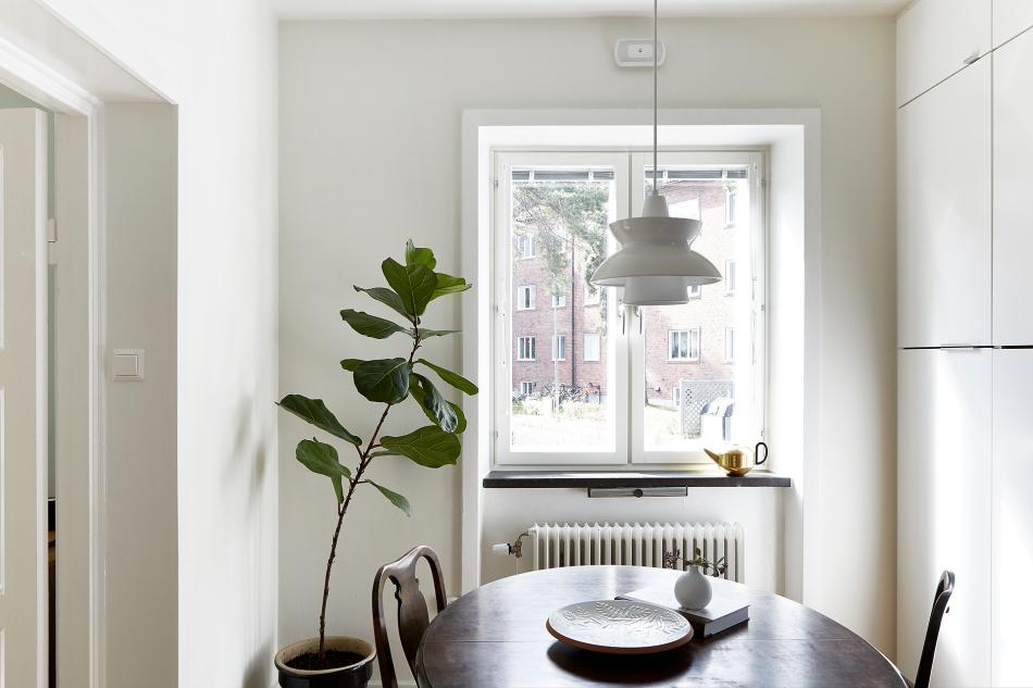 Borrvägen Telefonplan dining room plant white wood Fantastic Frank
