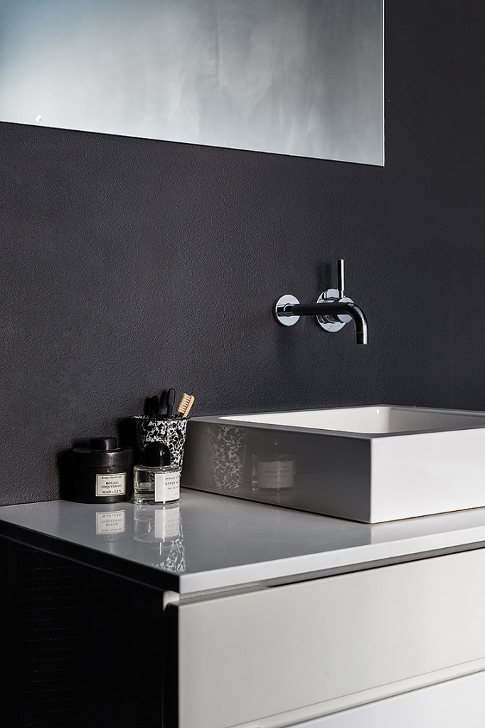 Norra Agnegatan Kungsholmen Black white bathroom Fantastic Frank