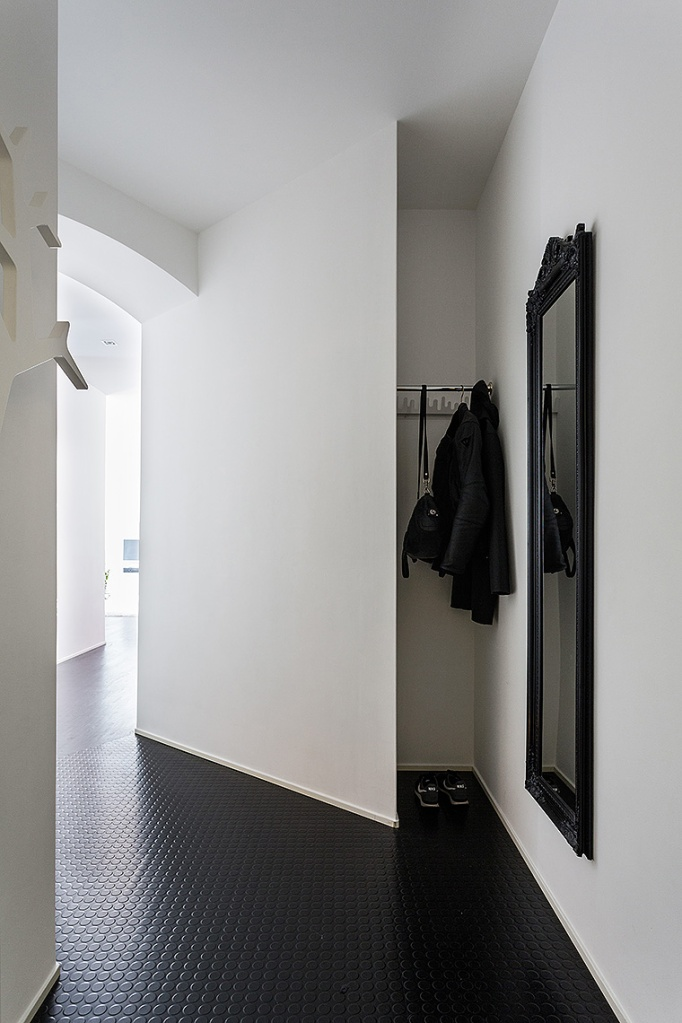 Norra Agnegatan Kungsholmen hallway Black white Fantastic Frank