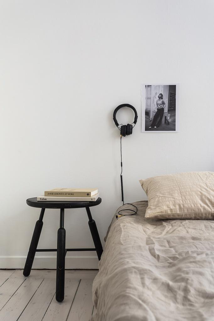 Vasastan Döbelnsgatan bedroom beige white persöderberg Fantastic Frank.jpg