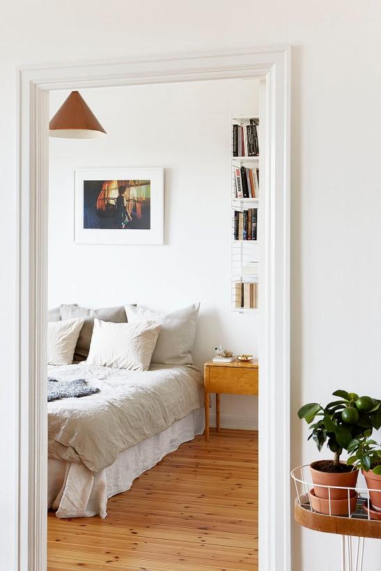 Alströmergatan Kungsholmen bedroom redwood linnen Fantastic Frank