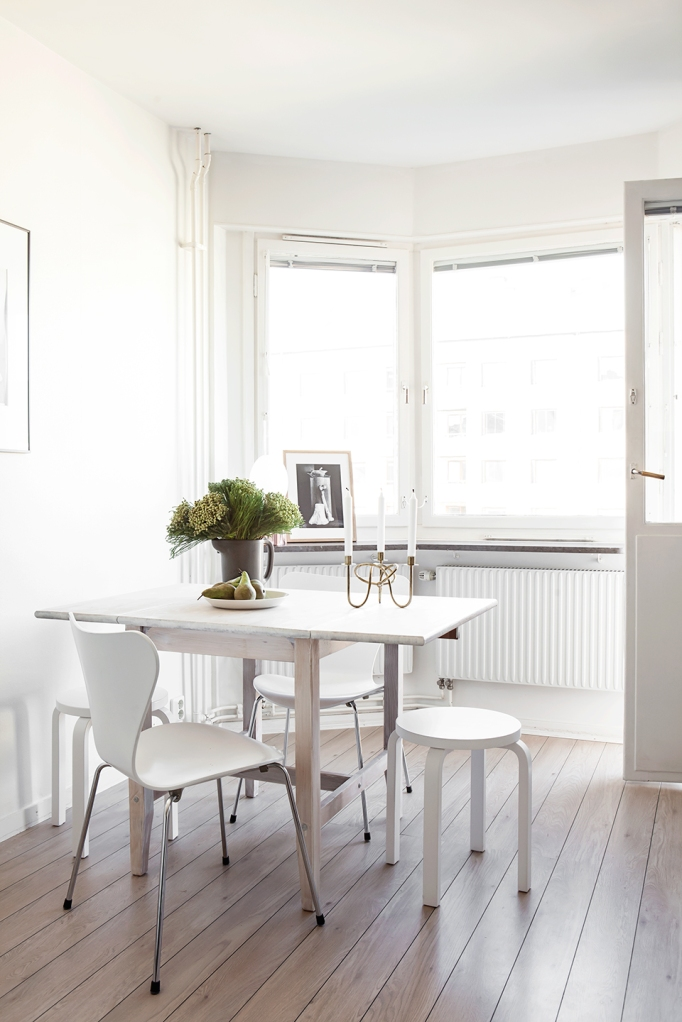 Grevgatan Östermalm diningroom balcony pear svenskt tenn artek josef frank Fantastic Frank