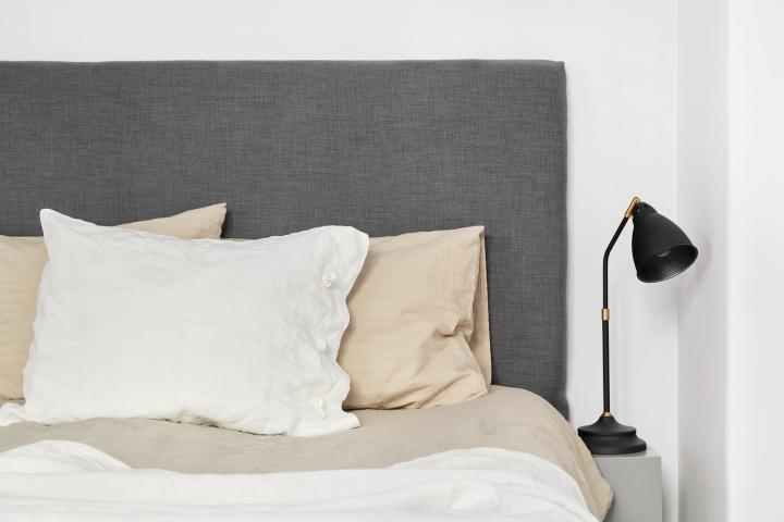Södermannagatan sofo bedroom details beige white grey black brass white linnen fantasticfrank