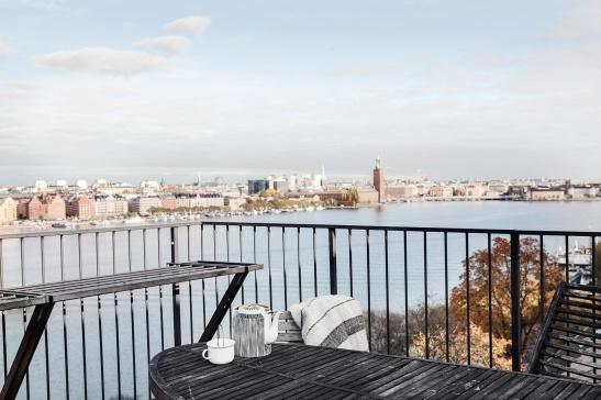 Heleneborgsgatan Södermalm view city hall stadshuset mälaren water balcony Fantastic Frank
