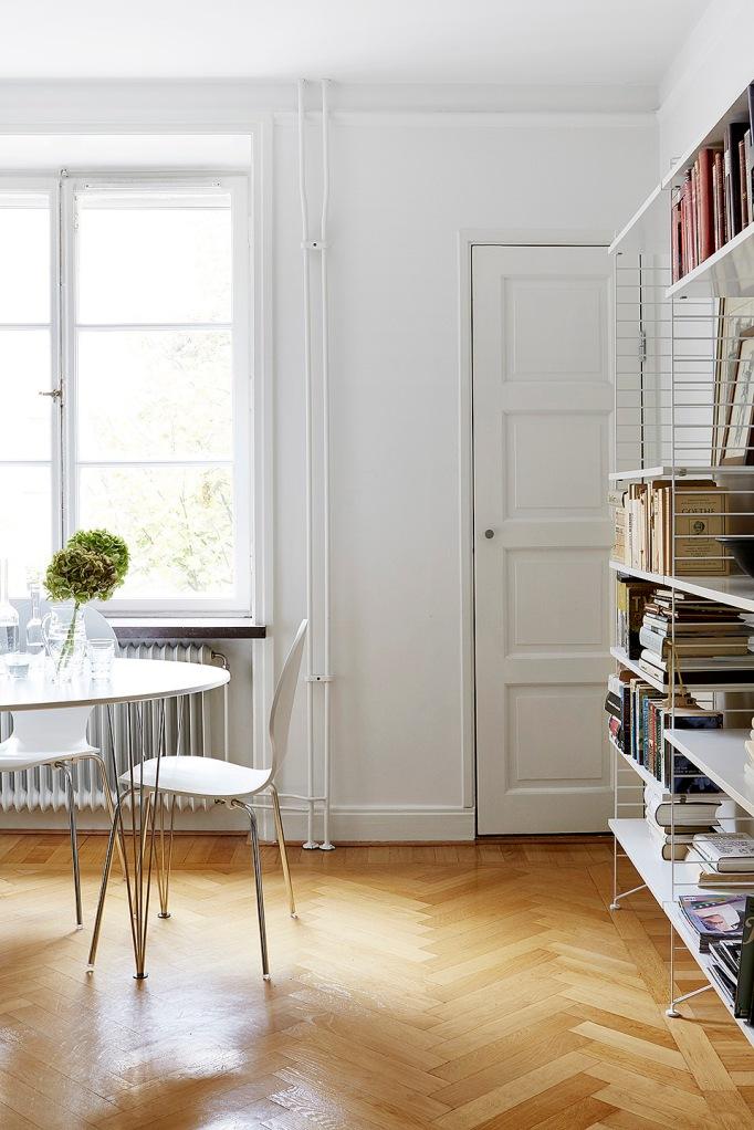 Igeldammsgatan Stockgolm livingroom elipse myran fiskbensparkett string Fantastic Frank