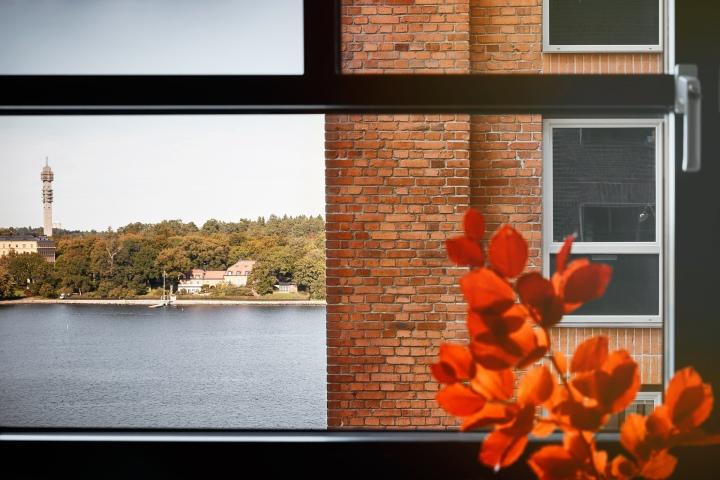 Kvarngränd Stockholm Autumn view bricks djurgården kaknästornet vatten Fantastic Frank
