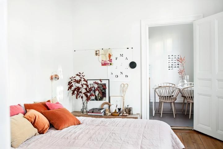 Roslagsgatan Stockholm bedroom kitchen rust red Fantastic Frank