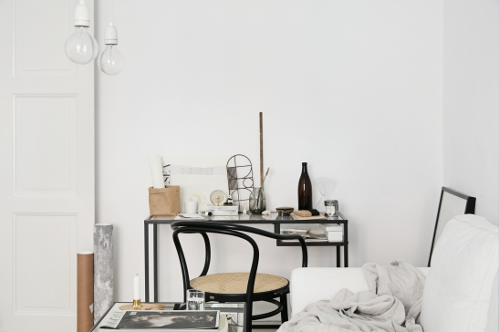 Samaritgränd Stockholm livingroom workspace thonet sofa lamps Fantastic Frank