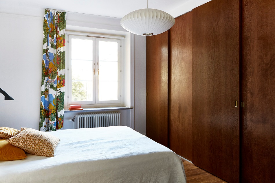 Ynglingagatan wood closet bedroom Joseph Frank Fantastic Frank