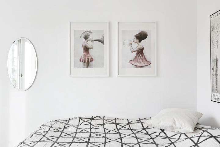 Bedroom art pink white black Vee Speers Hammarby Sjöstad Stockholm Fantastic Frank