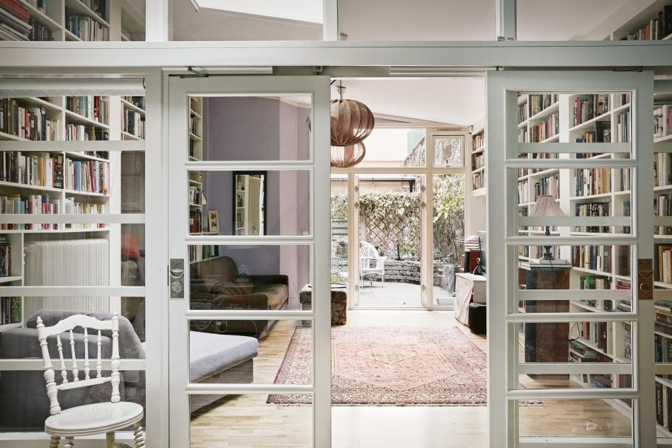 hollandargatan-vardagsrum-fönsterdörr-skjutdörr-fantastic-frank