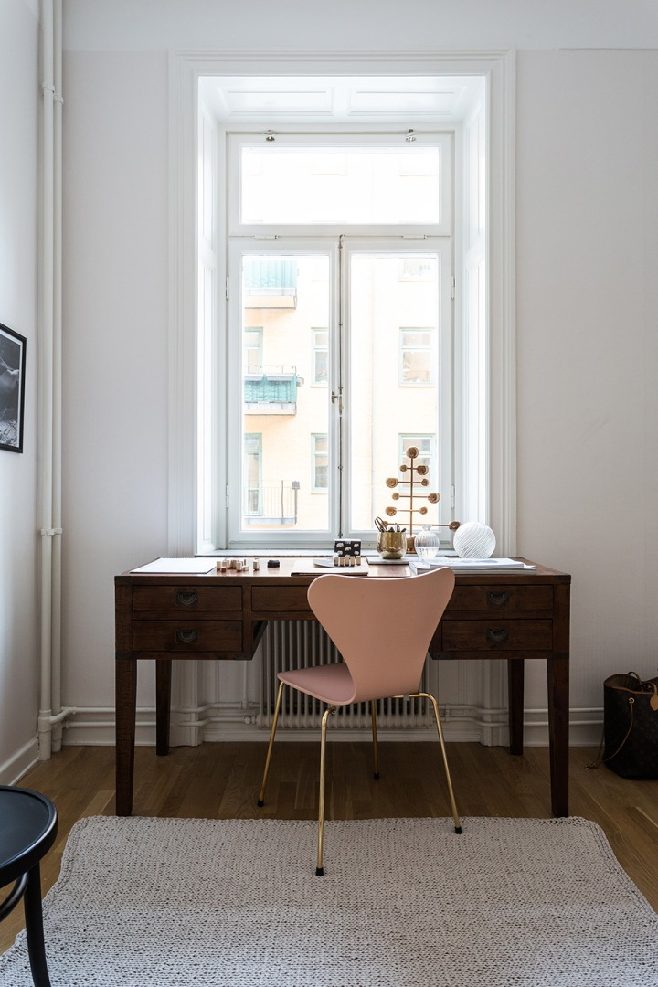 västmannagatan-arbetsrum-arbetsbord-mässing-fantastic-frank