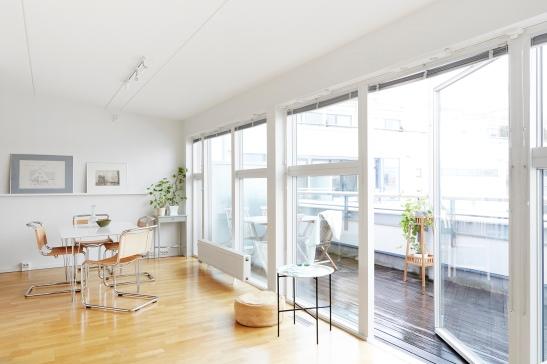 Hammarby Sjöstad livingroom leather wood Fantastic Frank