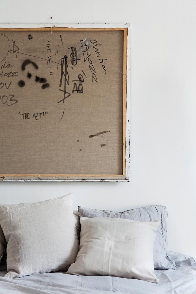 Ringvägen bedroom art linnenbeige grey Fantastic Frank