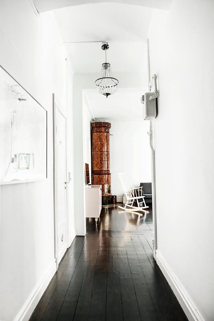 Sigtunagatan hallway black floor kakelugn Fantastic Frank