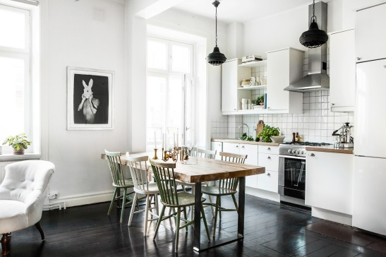 Sigtunagatan kitchen livingroom balcony black floor rabbit art Fantastic Frank