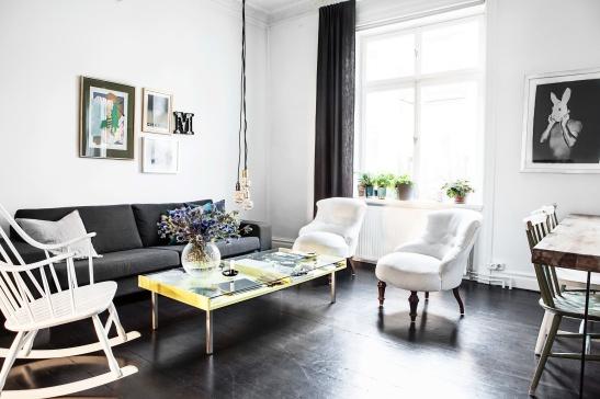Sigtunagatan livingroom yellow table tistlar lamps Fantasic Frank