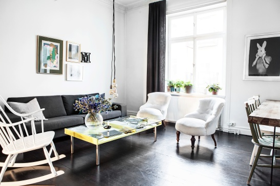 Sigtunagatan livingroom yellow table tistlar lamps Fantasic Frank