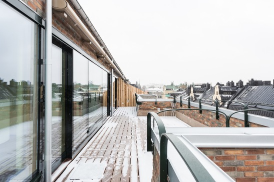 Södermalm Blekingegatan terrass wood räcke windows views skjutdörr Fantastic Frank