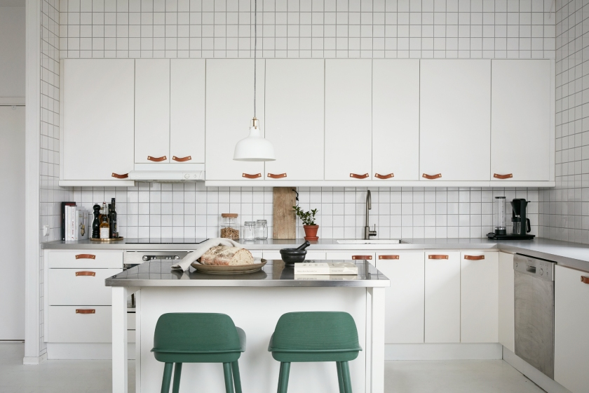 Bergtallsvagen kitchen leather handles green white fantastic frank