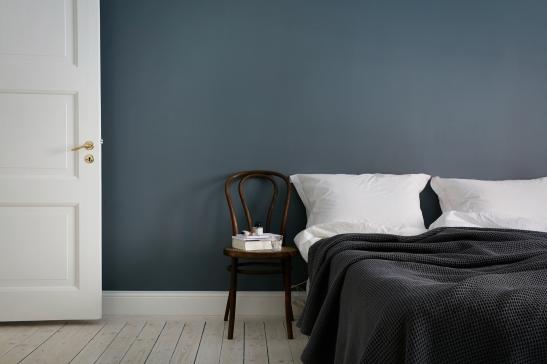 Falugatan Josefin Hååg Joakim Johansson bedroom blue walls thonet Fantastic Frank