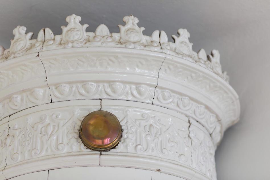 hälsingegatan kakelugn detail brass white fantastic frank