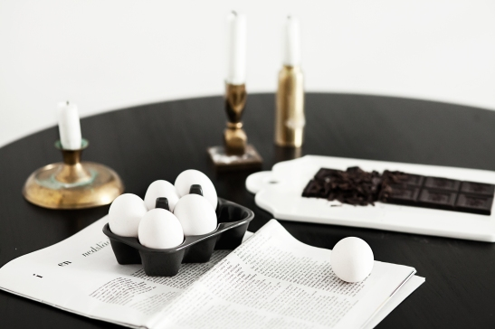 Luntamakargatan Linnea salmen anna malmberg dahl by dahl Eggs paper chocolate black table candles brass fantastic frank