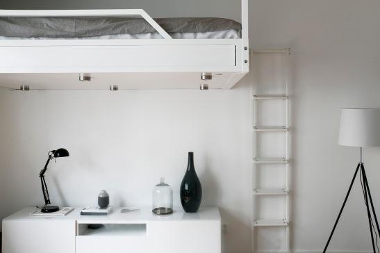 redargatan loft säng black white vases lamps fantastic frank