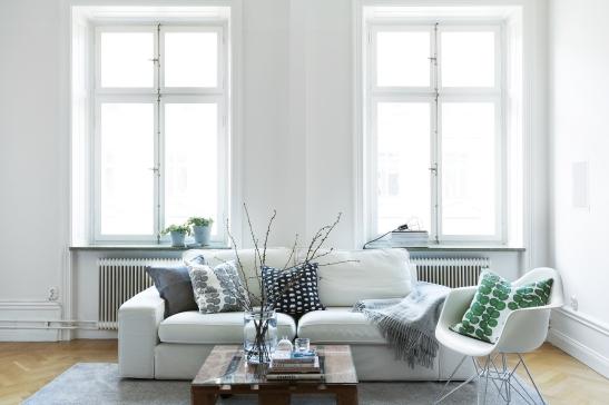therese_winberg_photography_stylist_emma_wallmen livingroom svenskt tenn eames green white black fiskbensparkett fantastic frank