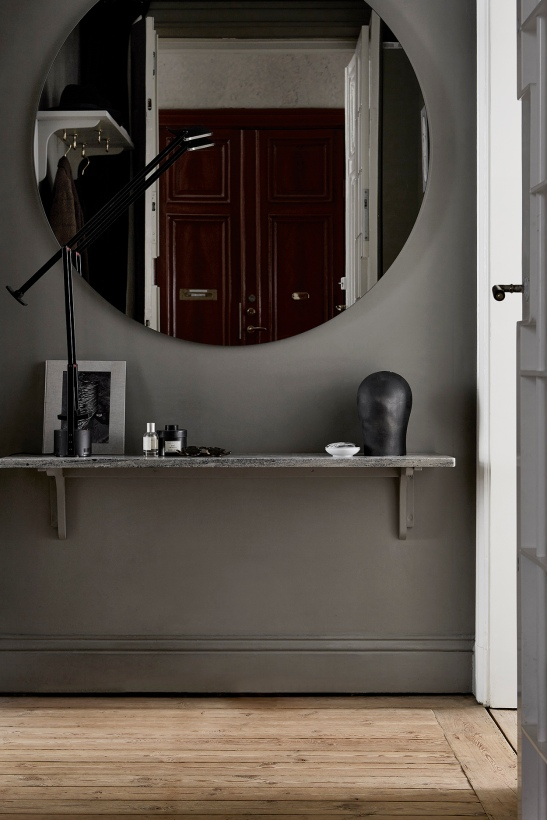Birkagatan josefin hååg fantastic frank hallway grey trädörr hylla redwood