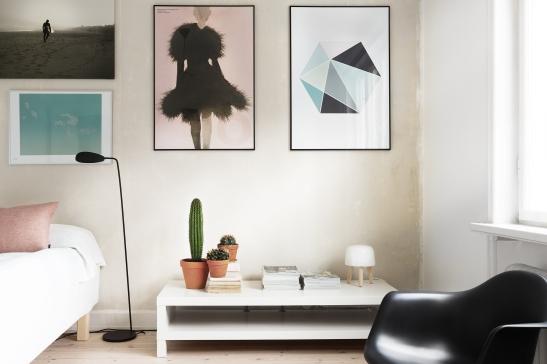 bondegatan therese_winberg_photography_stylist_emma_wallmen fantastic frank bedroom art pink blue black eames cactus