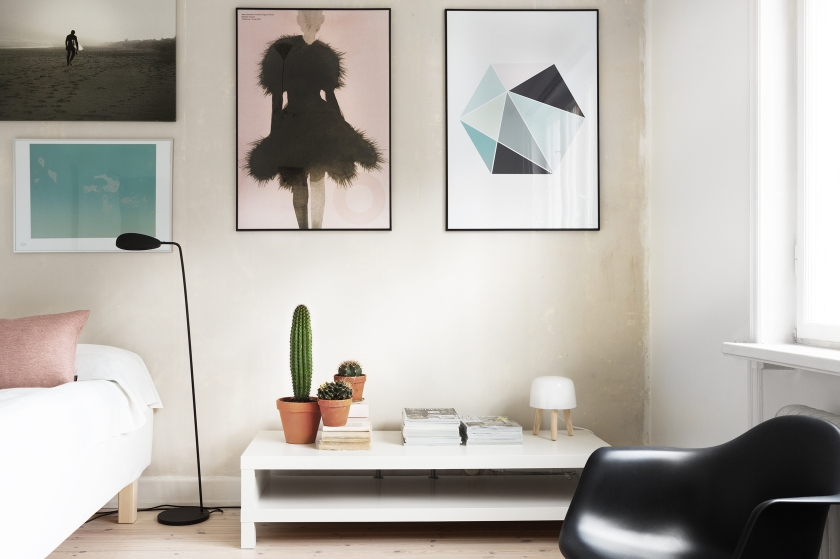 bondegatan therese_winberg_photography_stylist_emma_wallmen fantastic frank bedroom art pink blue black eames cactus