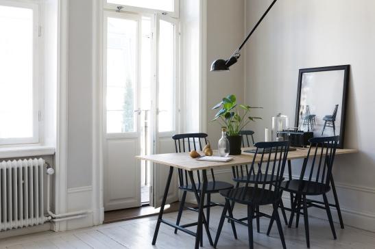 Fridhemsgatan Fantastic frank therese_winberg_photography_stylist_emma_wallmen kitchen pinnstolar balcony painted floor