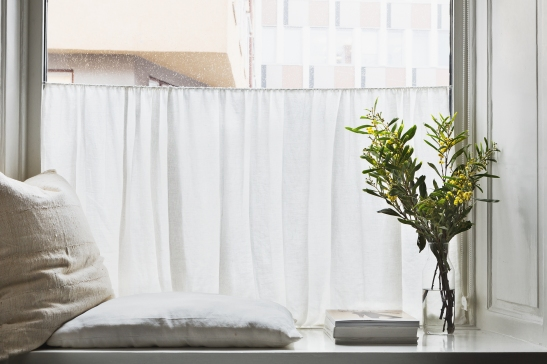 kapellgränd fantastic frank window pillows flowers curtain view therese_winberg_photography_stylist_josefin_haag