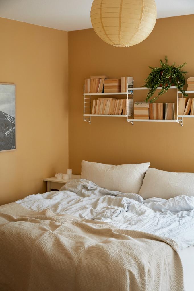 Ystadsvägen Mimmi Staaf Joakim johansson bedroom beige linnen fantastic frank