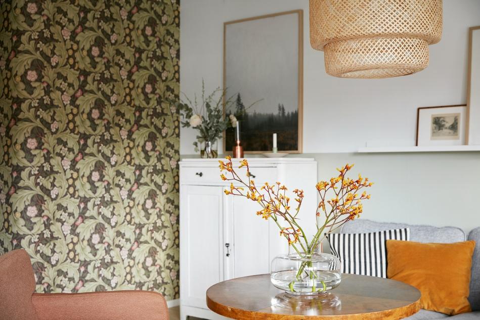 Ystadsvägen Mimmi Staaf Joakim johansson lamp wallpaper dahl by dahl beige fantastic frank